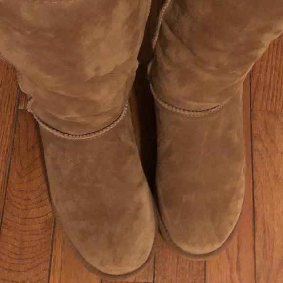 42110eb1f0d Like New UGG Classic Tall lol Boots Brown 7